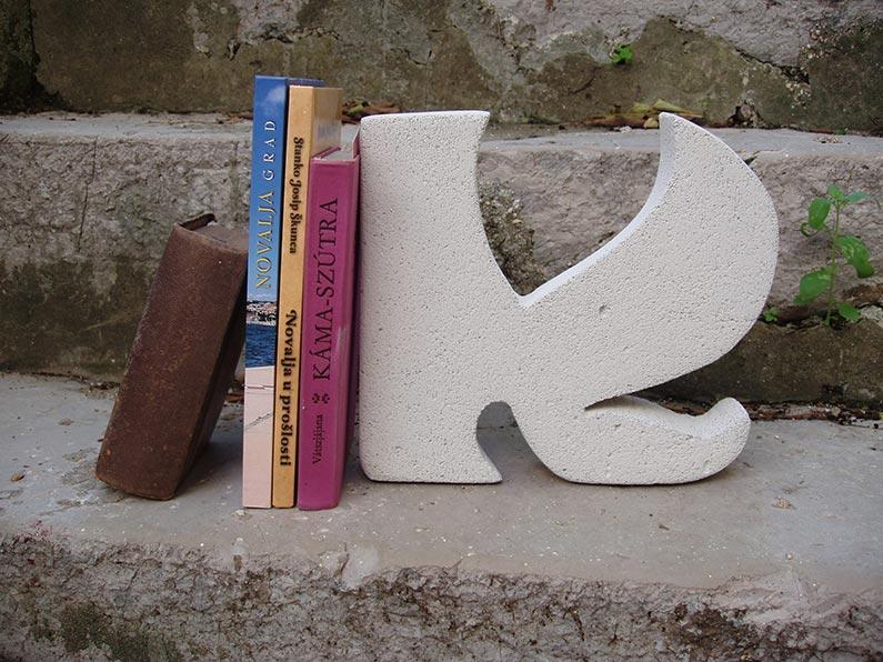 Oslonjene knjige