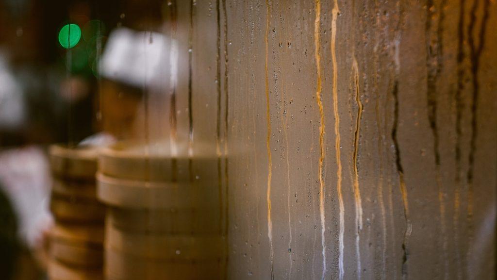 Događa li se i u vašem domu kondenzacija na prozorima?